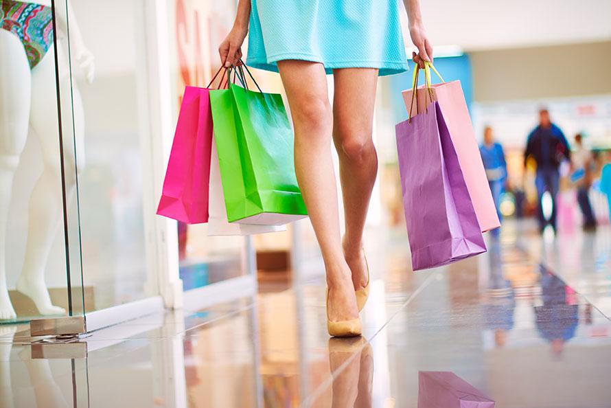 Shopper personalizzate in carta, plastica o biodegradabili. Quali scegliere?