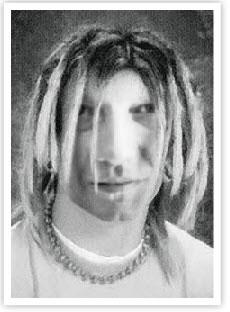 Quì un look stile Kurt Cobain anni 90 :-)