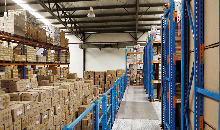 4 vantaggiosi motivi per cui è meglio affidarsi a un'azienda per la gestione del magazzino